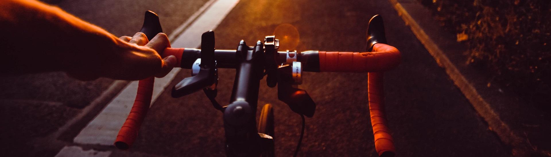 Fahrräder und Zubehör aus Bambus